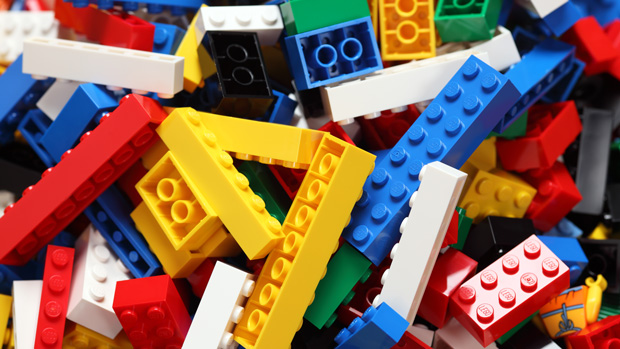 10 fascinating facts you don't know about Lego