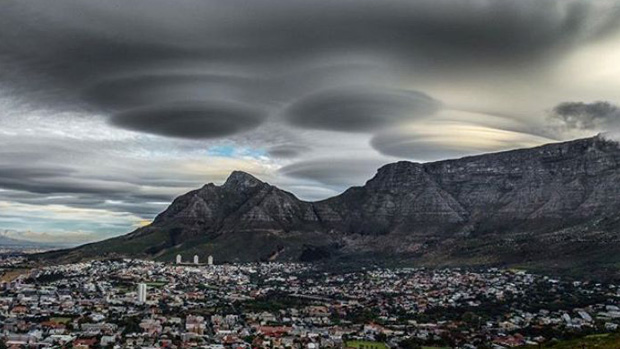 UFO clouds form above Cape Town