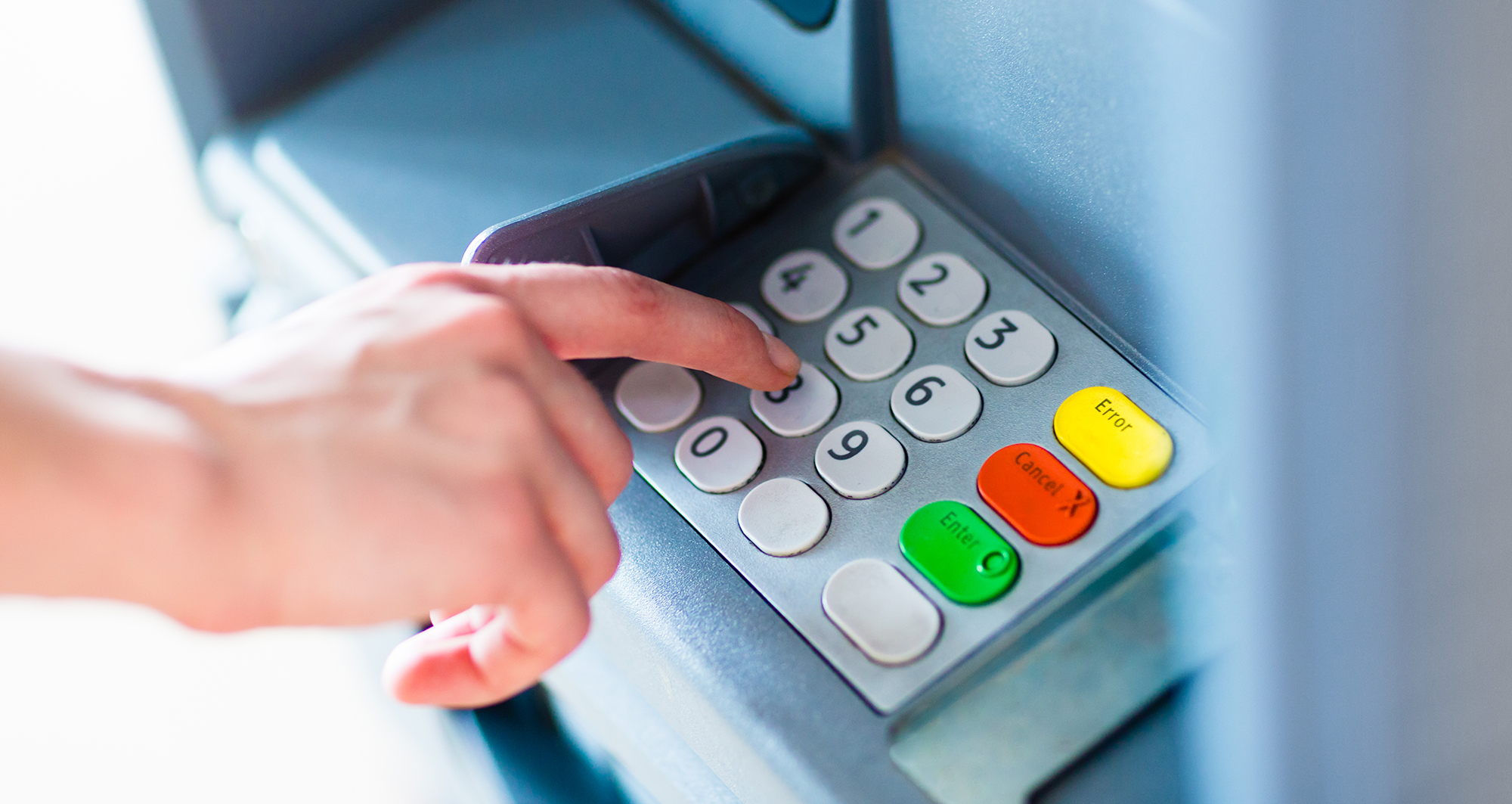 5 tips to safely use ATMs abroad