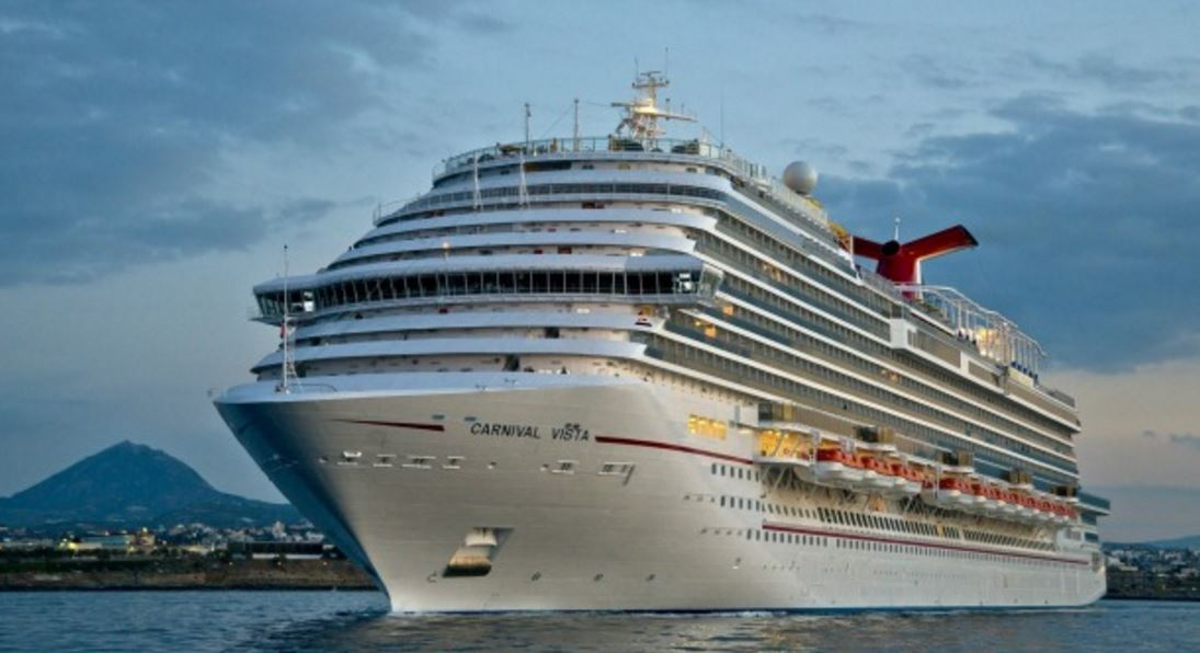 "Cruise line targets ""offensive"" clothing for passengers"