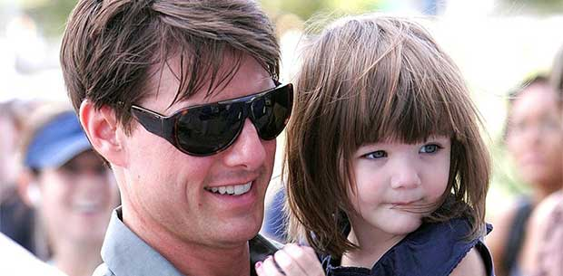 Suri Cruise looks just like dad Tom in this eerily similar new photo