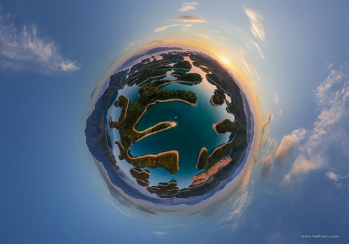 China Thousand Island Lake Planet