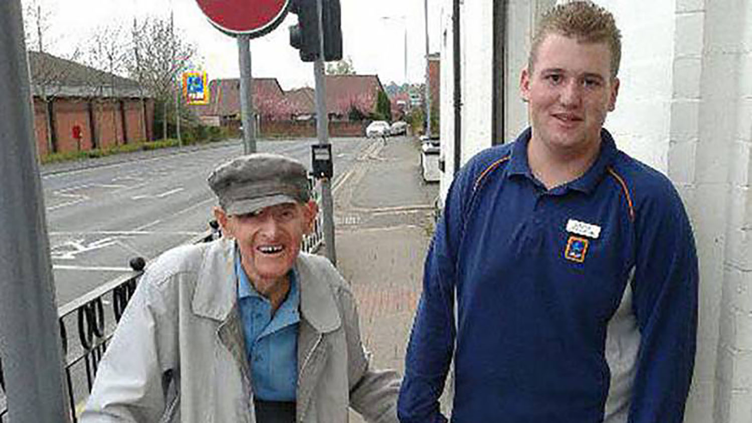 Teenager becomes internet hero after helping a 96-year-old man home