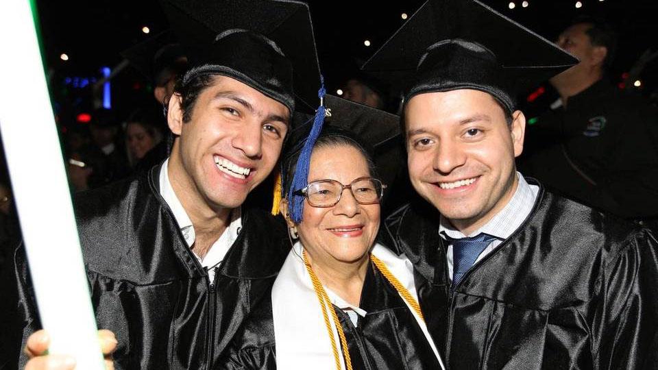 80-year-old woman graduates college alongside 2 of her grandchildren