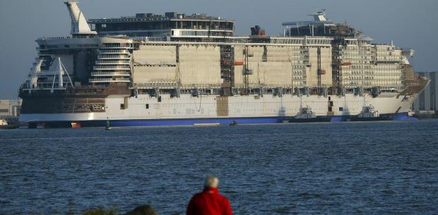 World's largest cruise ship sets sail