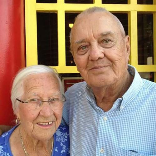 old couple dies