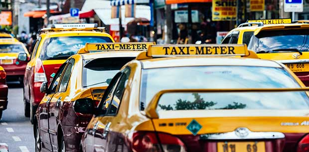 4 tell-tale signs your taxi driver is trying to scam you