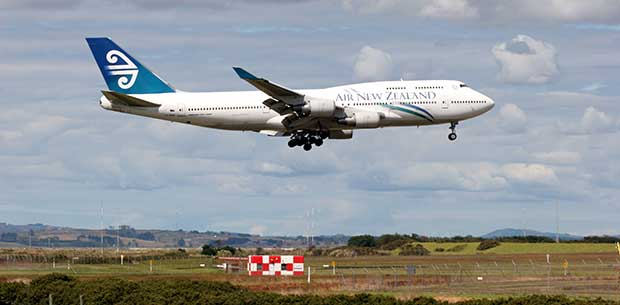 """""""I thought the wings would tear off"""" – passenger recounts terrifying landing in NZ"""