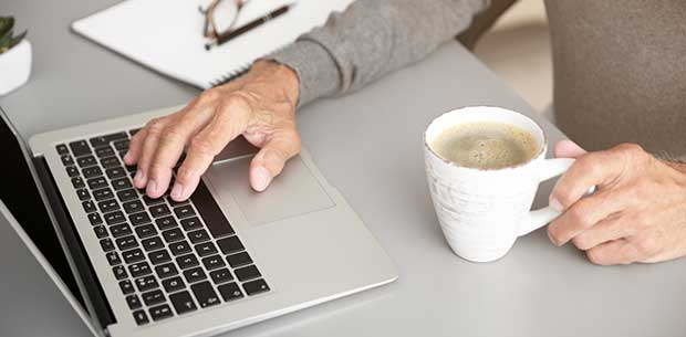 5 simple tips for seniors to stay safe online in 2018