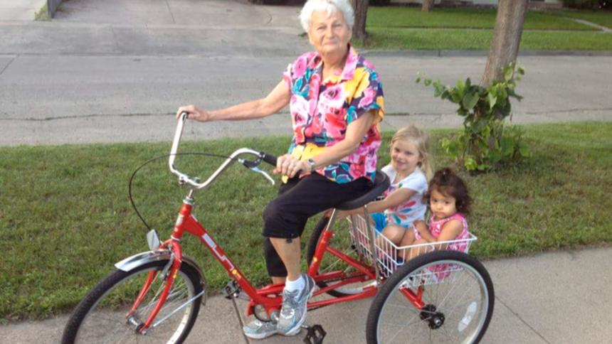 Strangers band together to replace 79-year-old woman's stolen bike