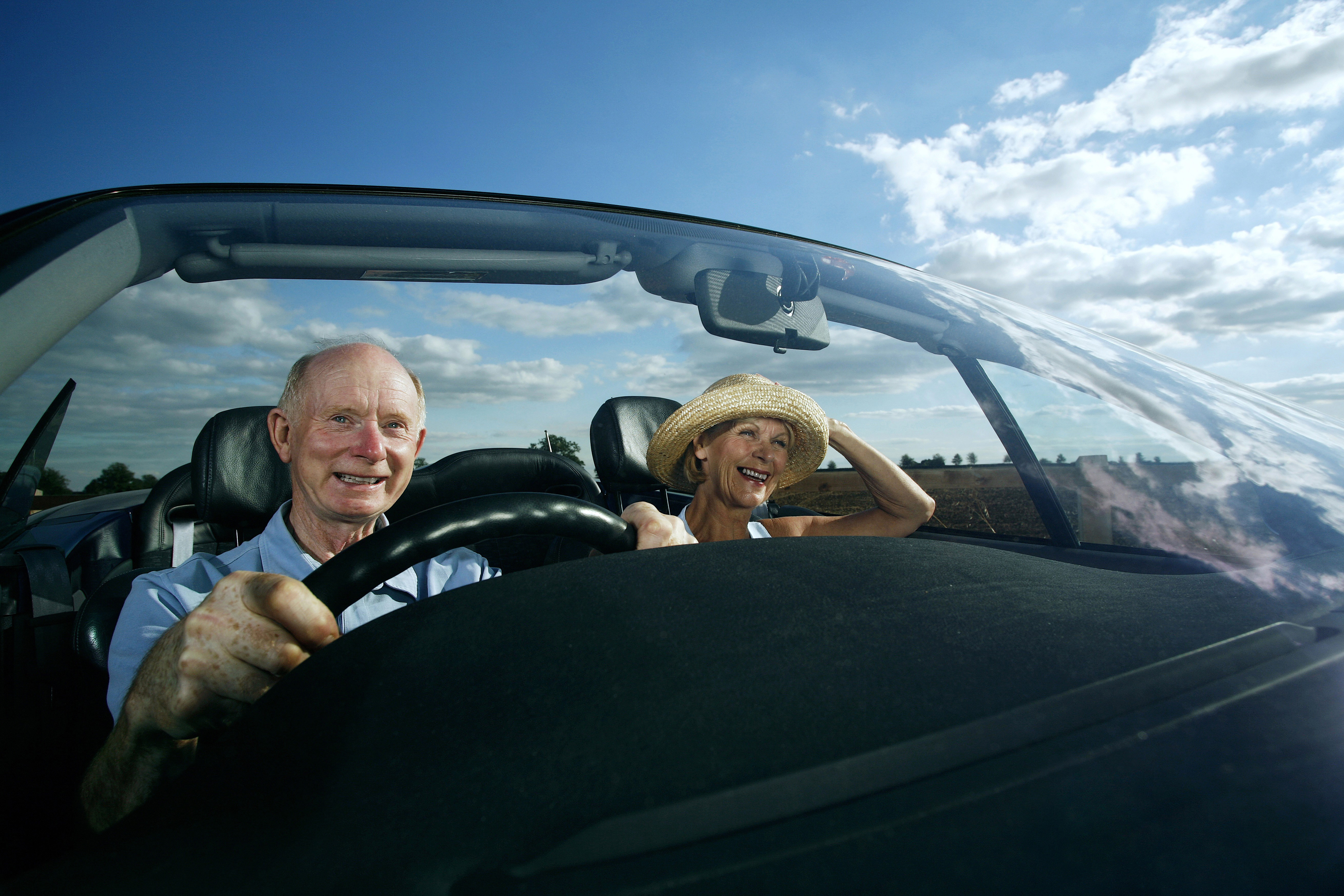 5 age-related vision problems older drivers need to be aware of