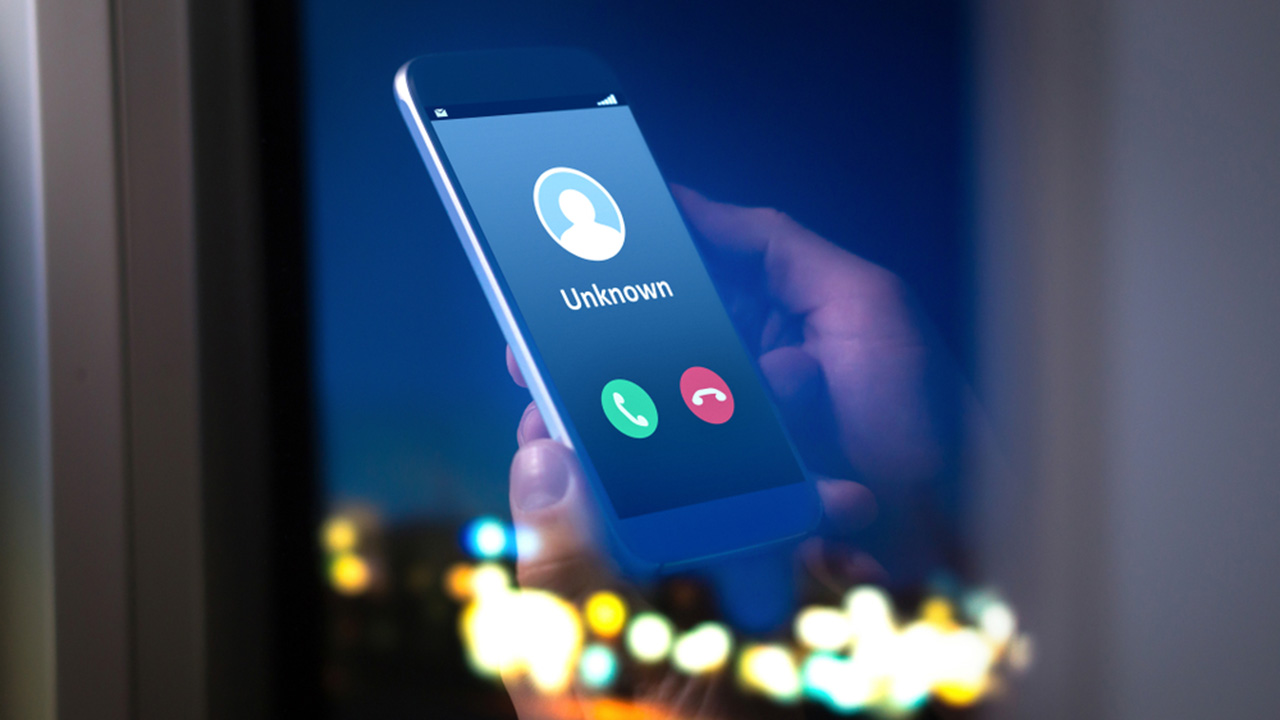 The phone scam so elaborate it's tricking Australians out of millions