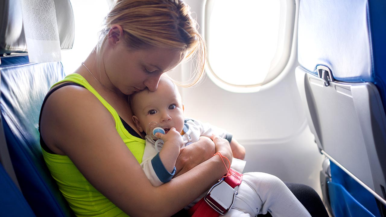 """""""Absolutely unacceptable"""" for your baby to cry – flight attendant to passenger"""