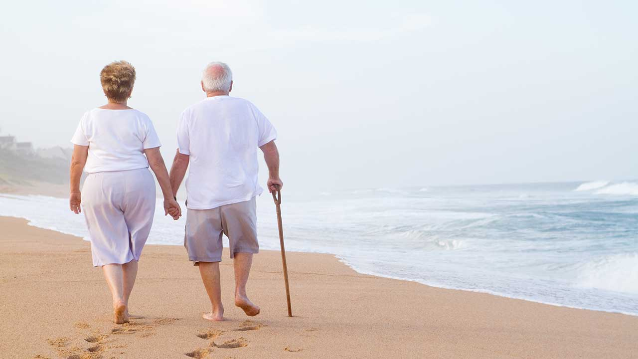 How to manage osteoporosis while travelling