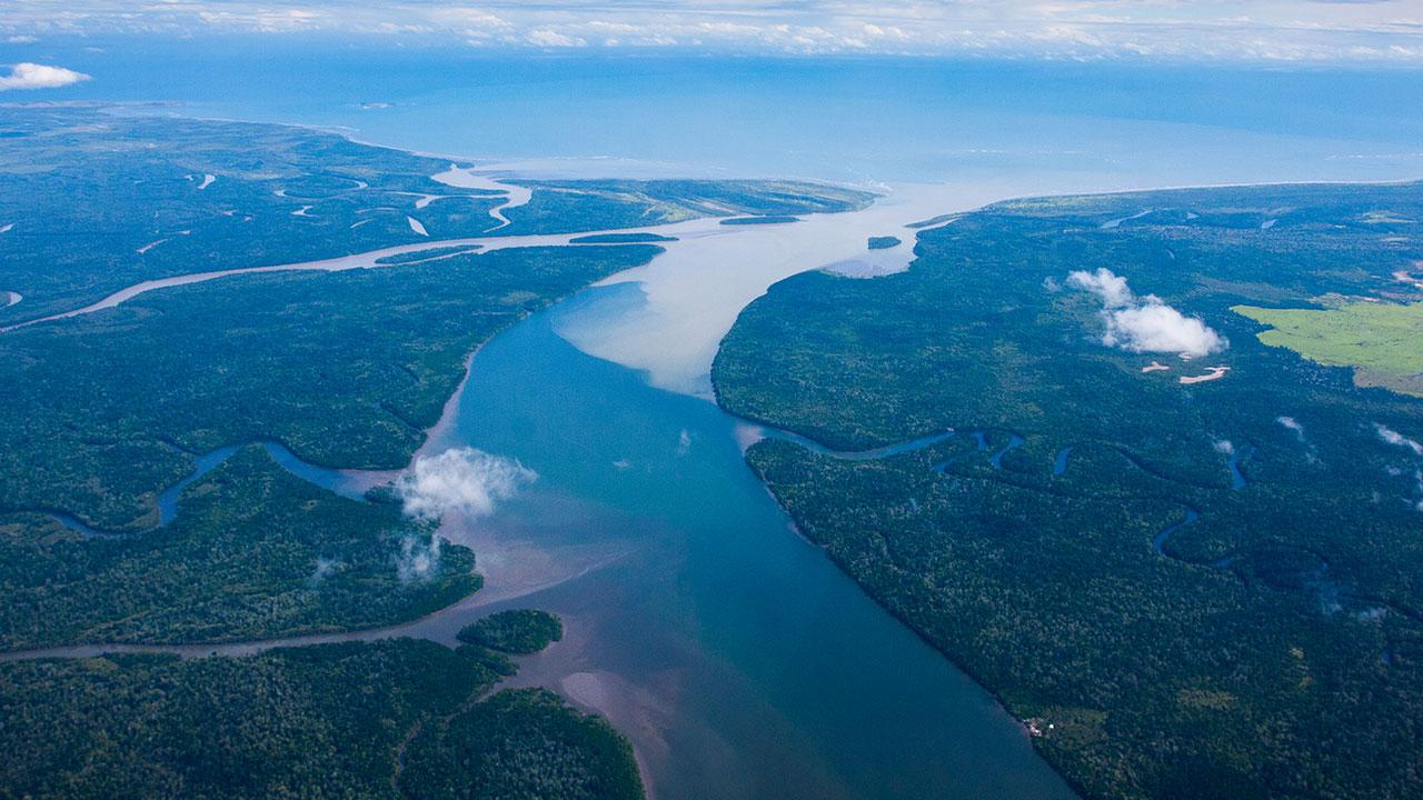 Cruise through time: The coast of Papua New Guinea