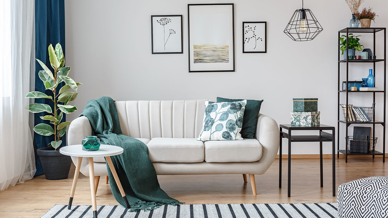 Decorating tips that won't cause permanent damage