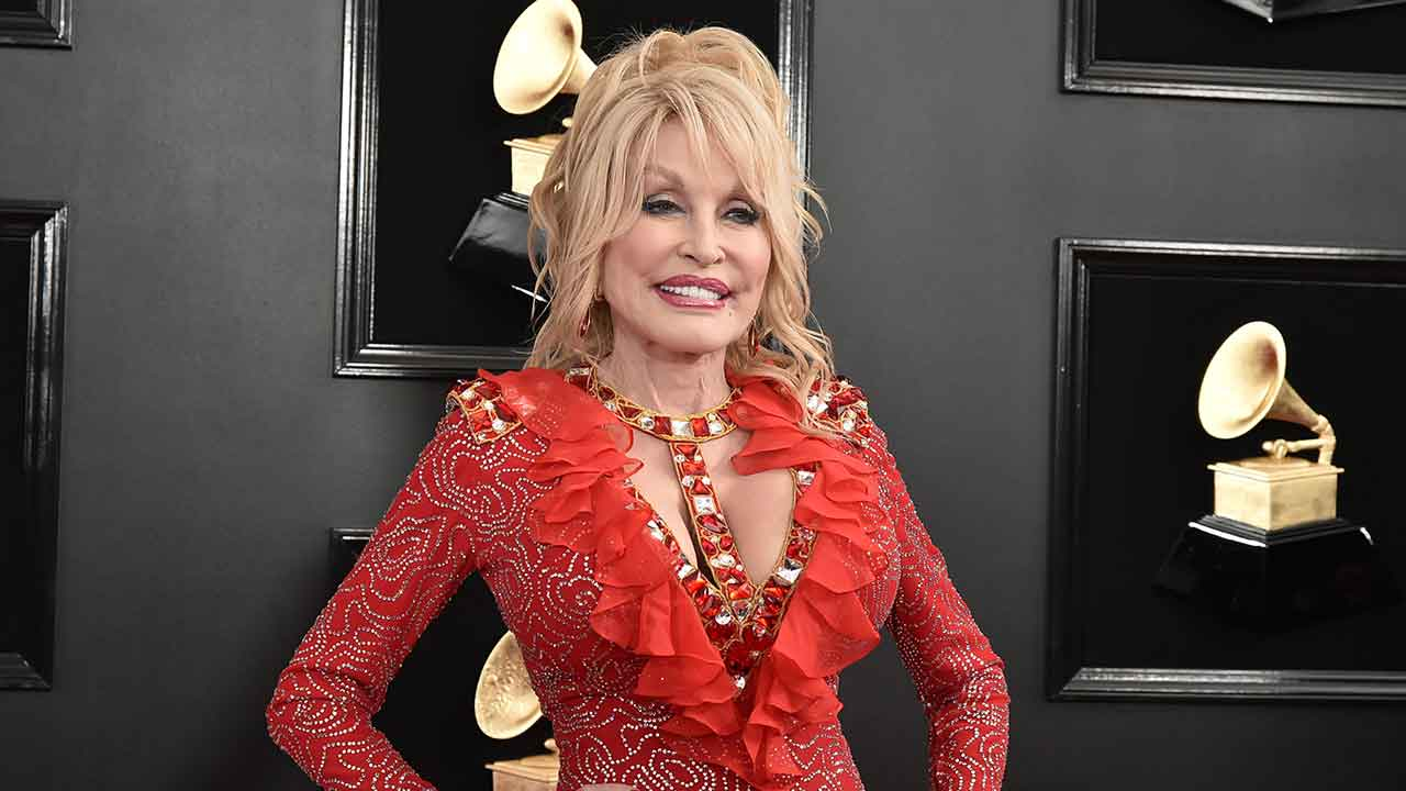 Dolly Parton finally addresses gay rumours in new interview