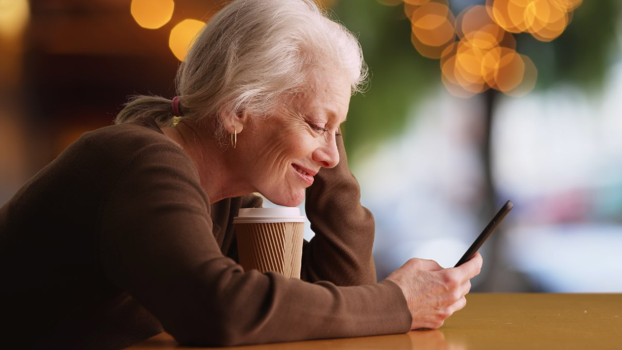 Online dating for seniors: Tips from a professional matchmaker