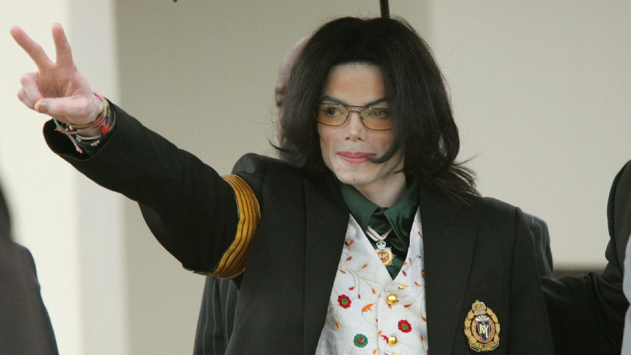 "Michael Jackson's trusted staffer goes public: ""It's time for the world to know"""