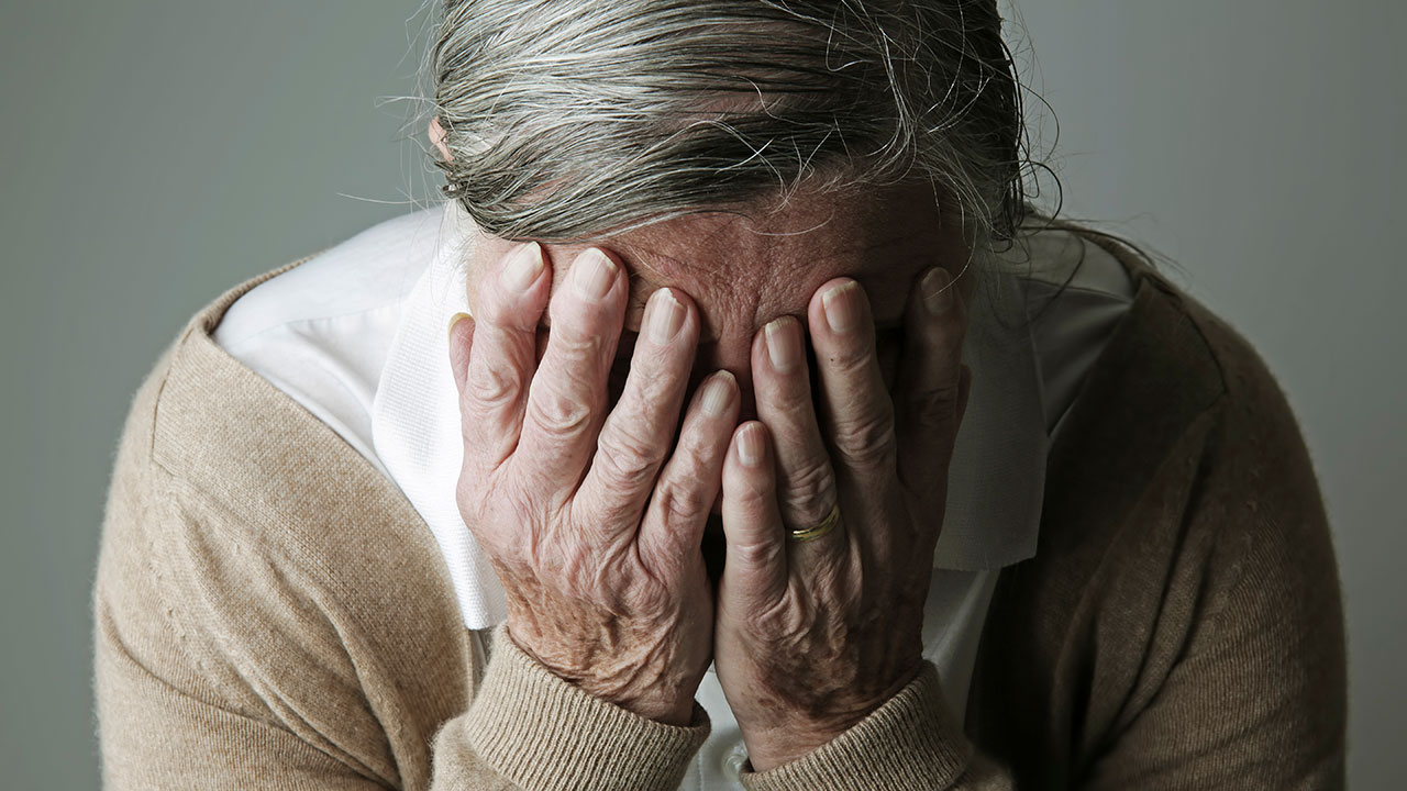 Dementia early warning signs: Changes to look out for
