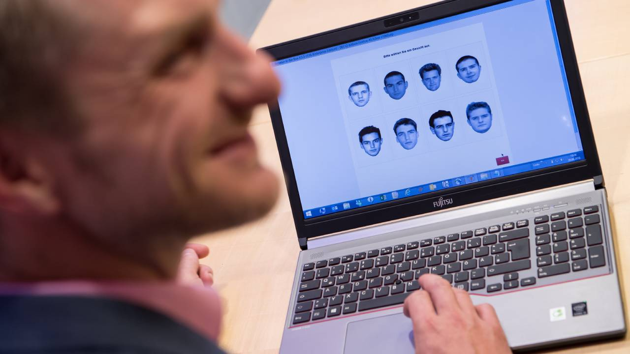 """""""Super-recognisers"""" accurately pick out a face in a crowd – but can this skill be taught?"""