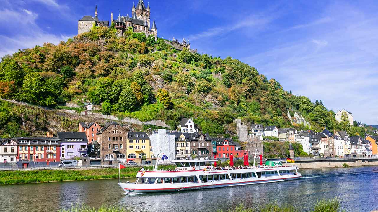 4 key differences between ocean and river cruises