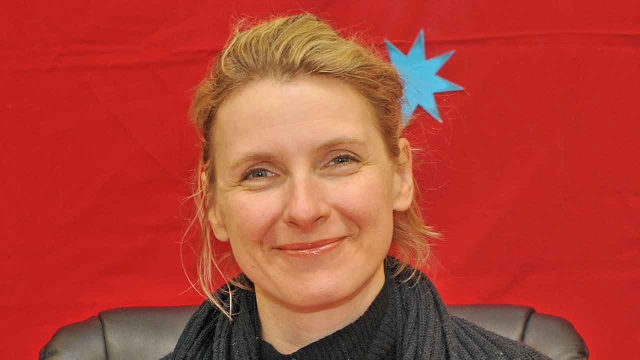 """""""Eat Pray Love"""" author Elizabeth Gilbert finds loves one year after losing partner"""