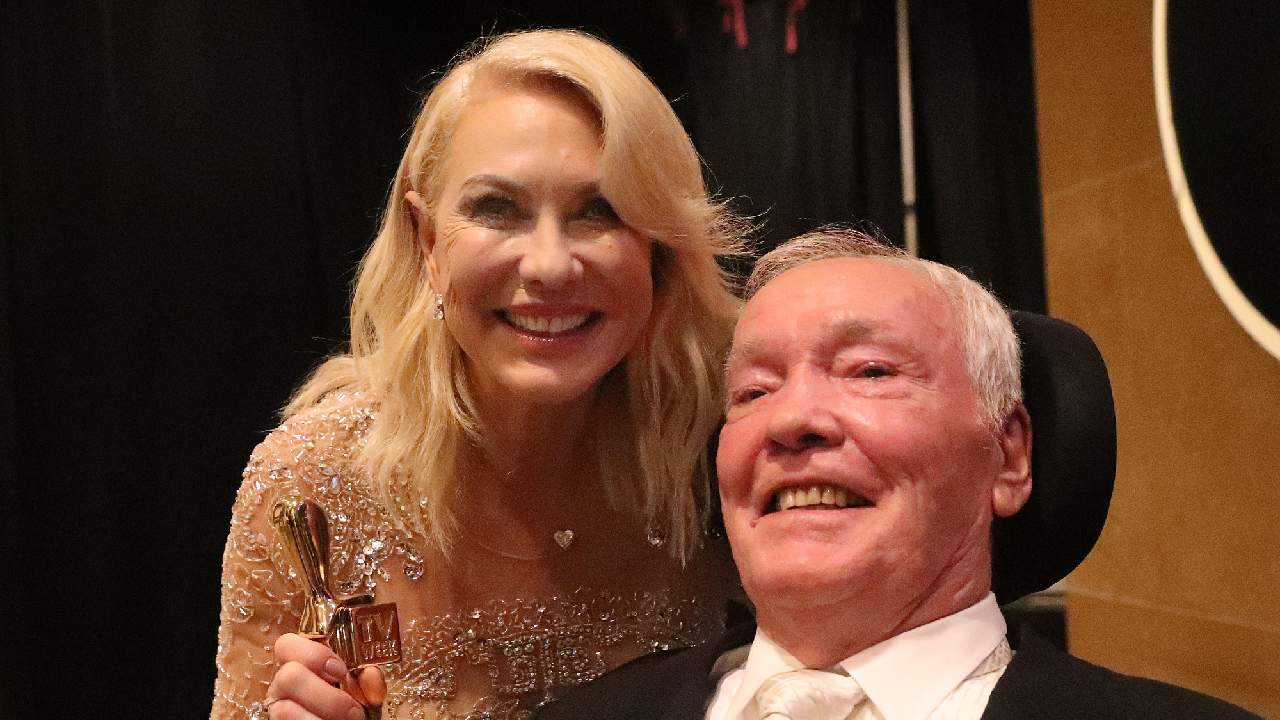 """""""A terrible shock"""": Kerri-Anne Kennerley opens up about husband John's death"""
