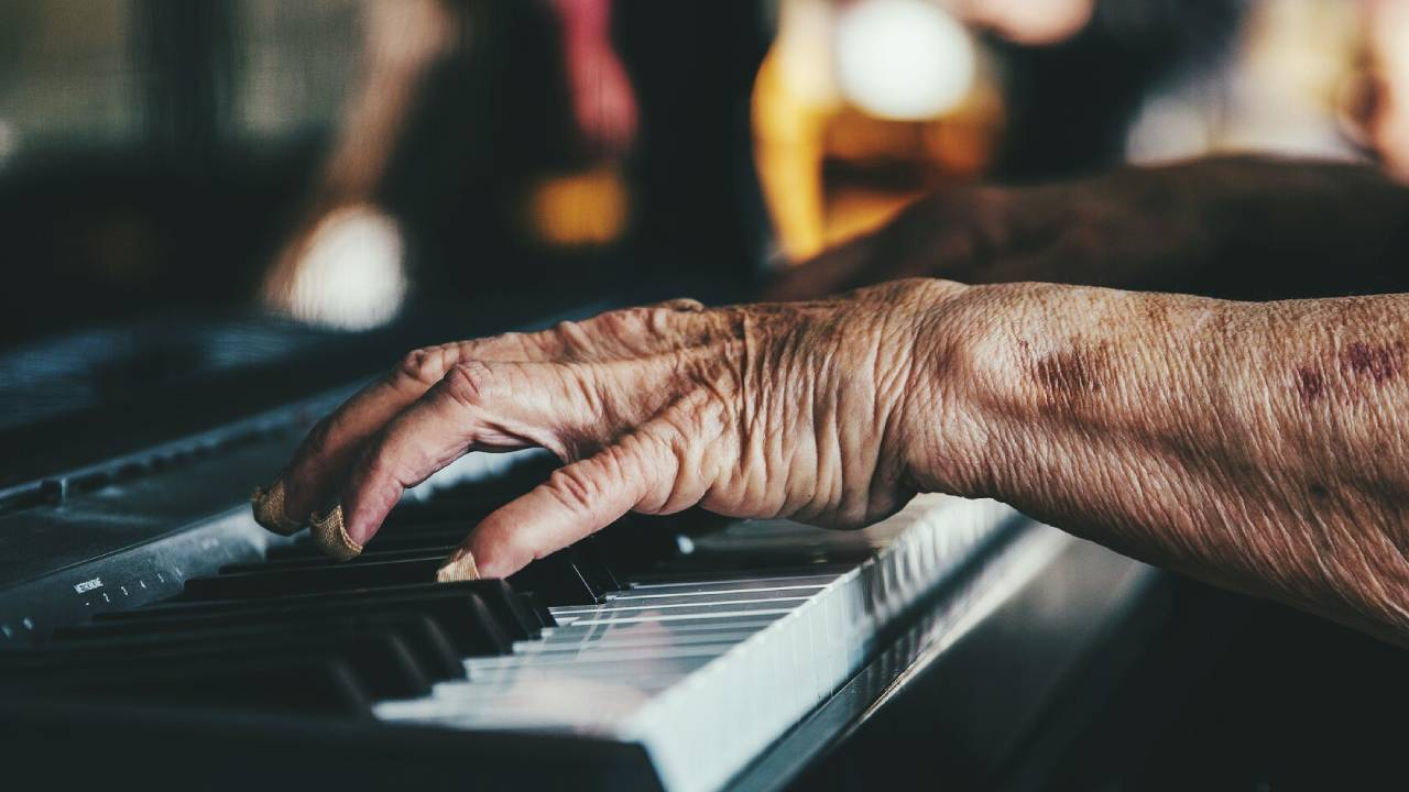 This hospital uses piano music to boost the mood and mental health of patients