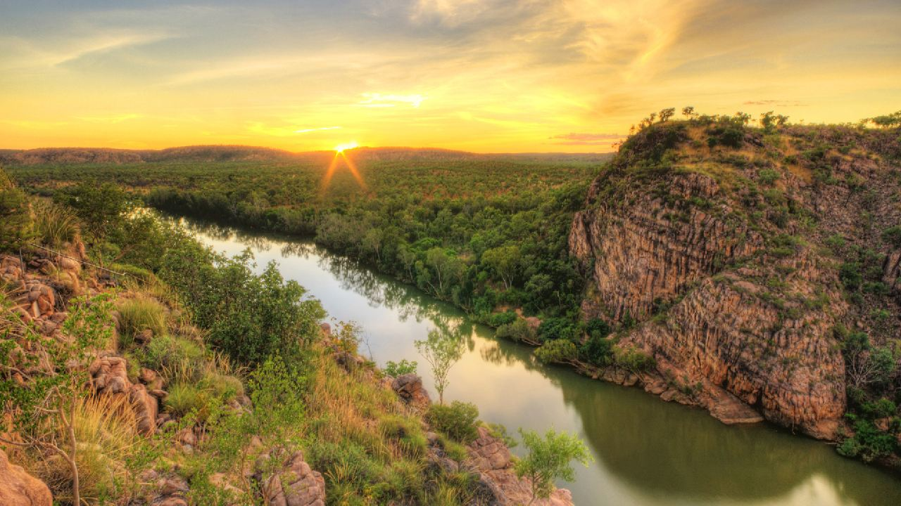 Explore Australia with a road trip: Alice Springs to Darwin