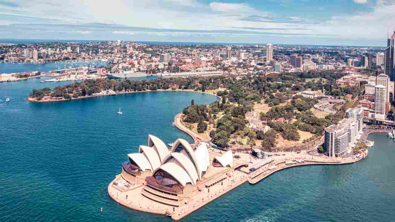 Why thousands of people are leaving Sydney for this one spot in Australia