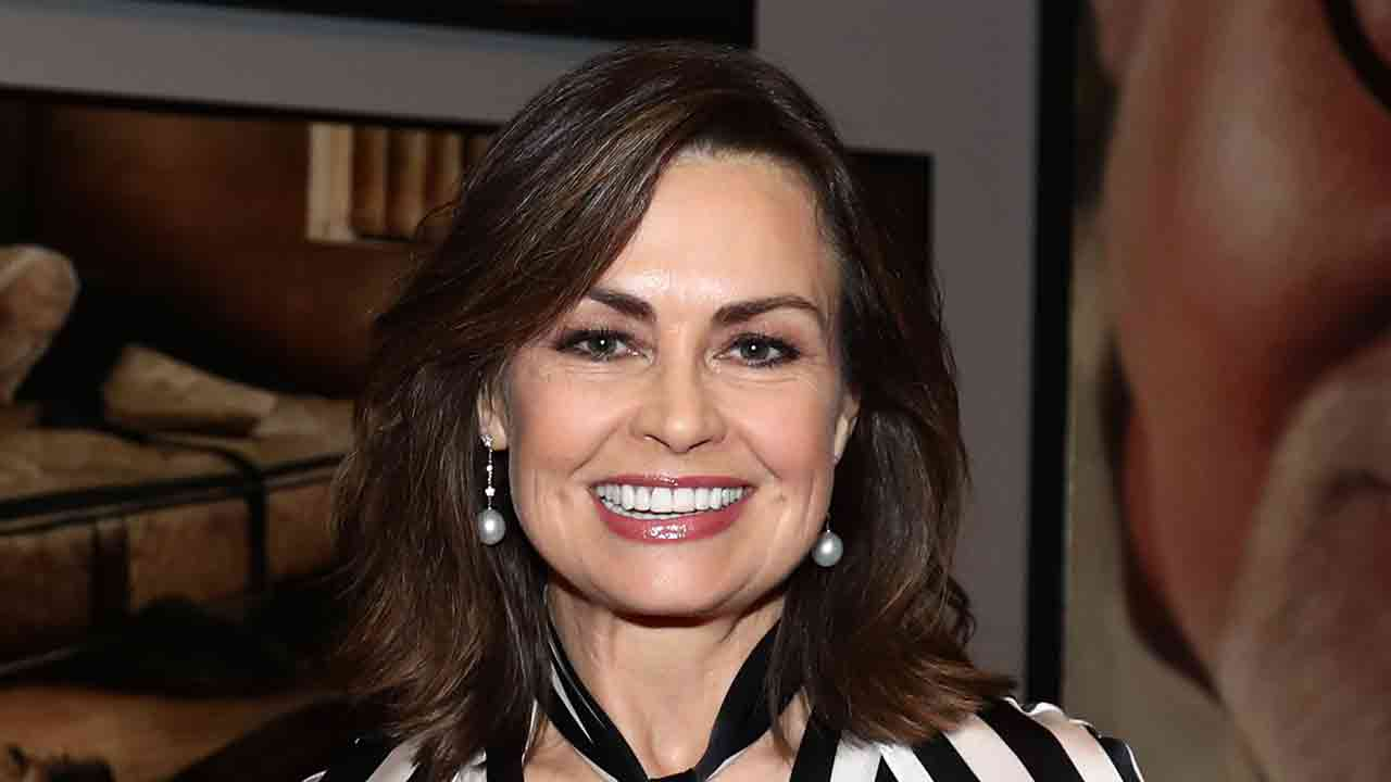 Lisa Wilkinson steals the show in eye-catching frock