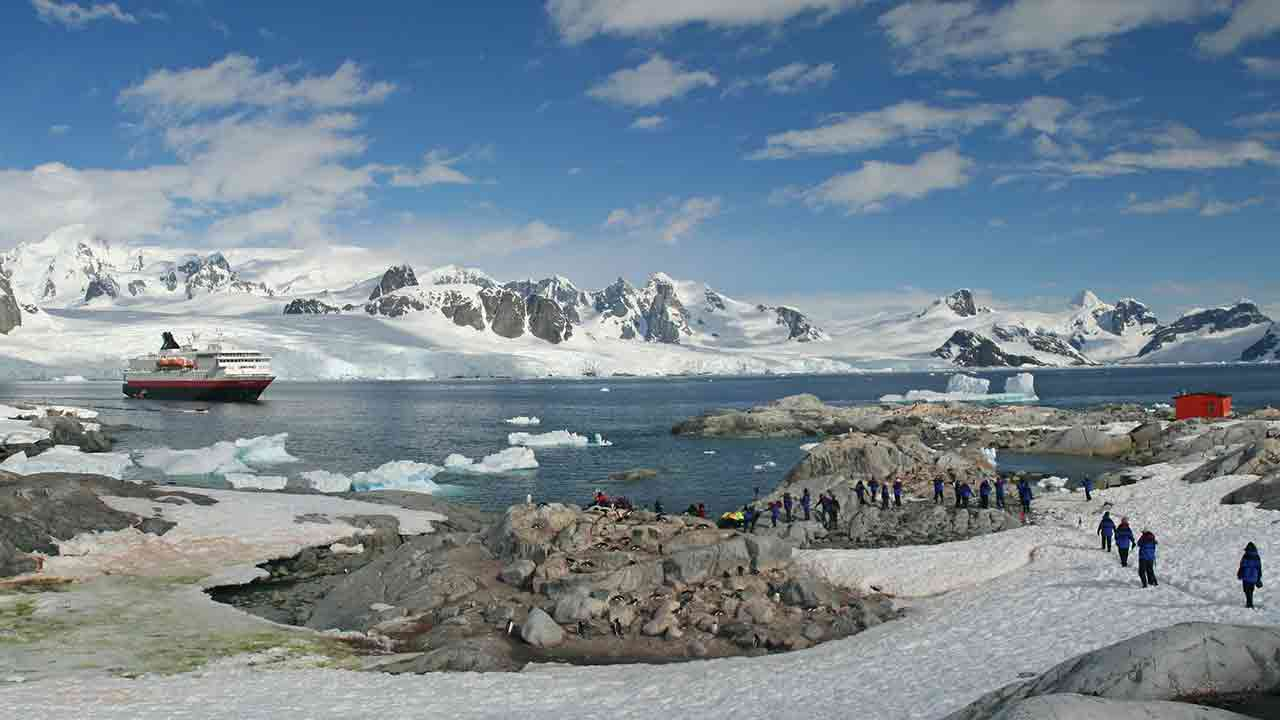 The lure of an Antarctic Adventure