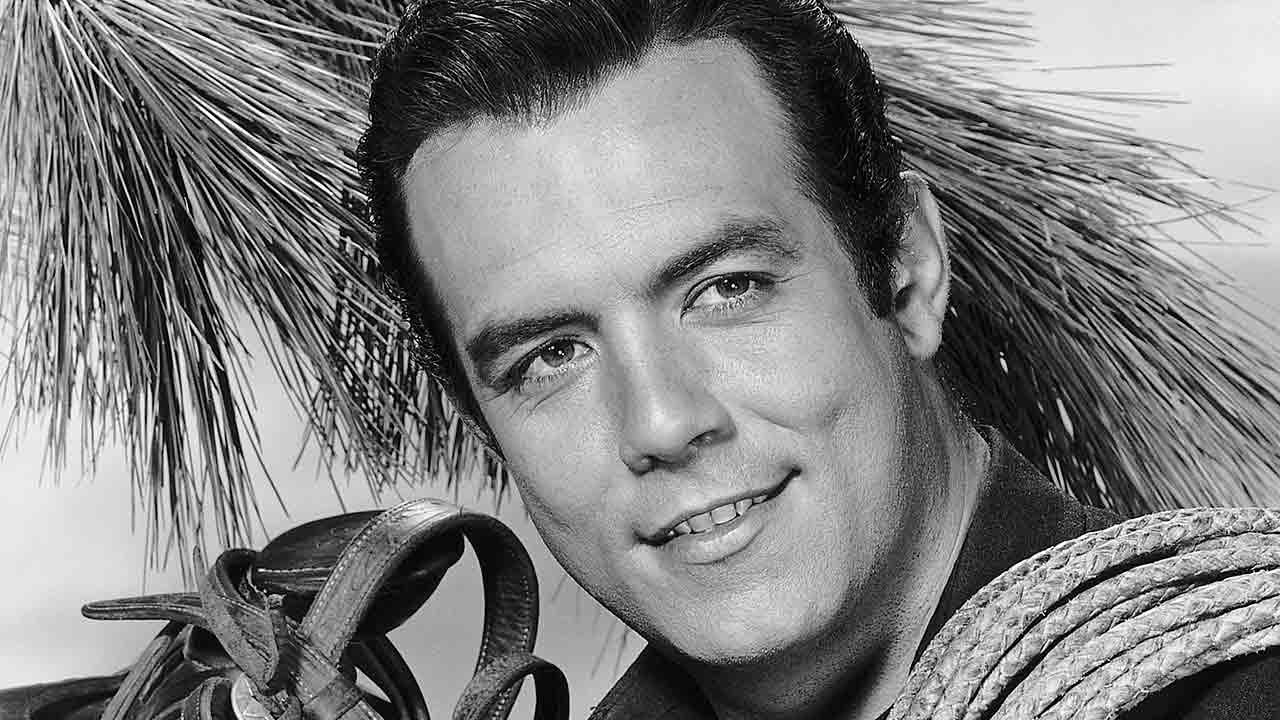 Remembering Bonanza's Pernell Roberts