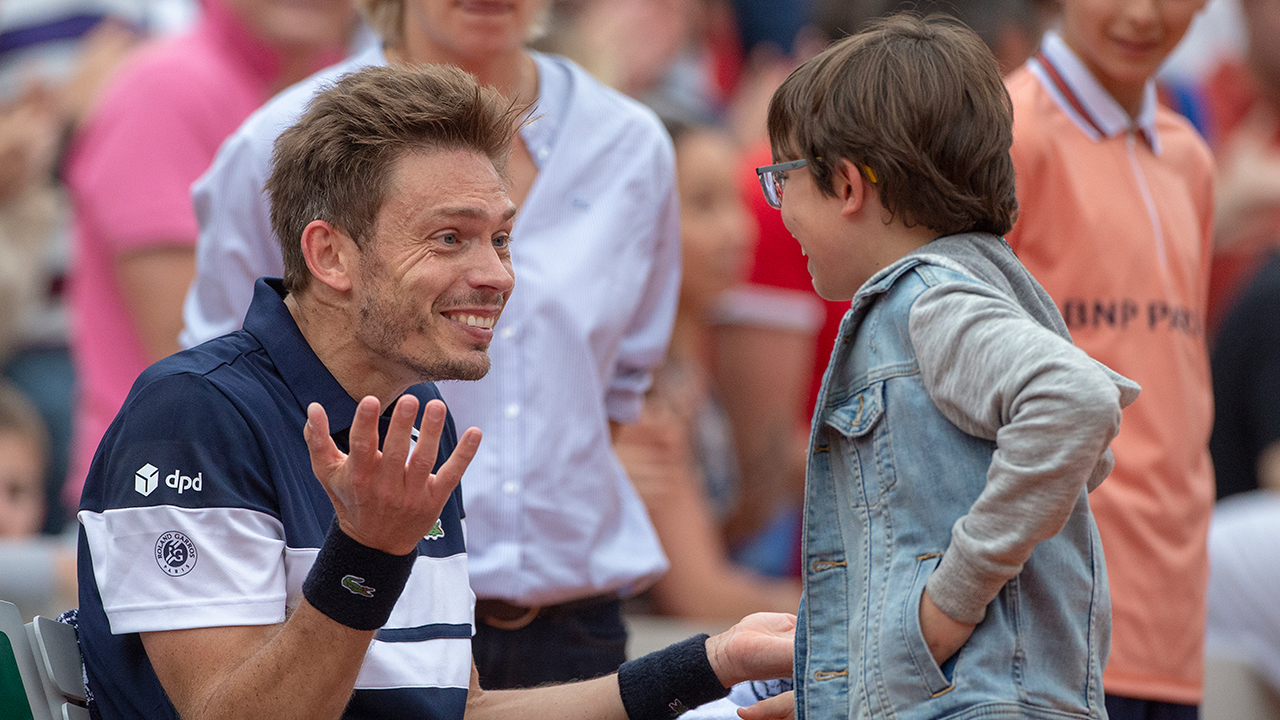 The heart-wrenching moment son runs out to tennis star dad at French Open