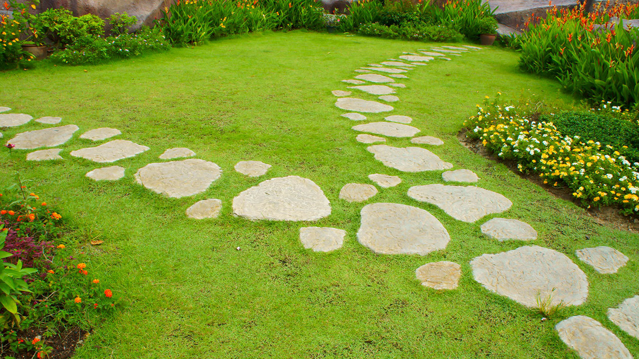 How to lay a stepping stone path