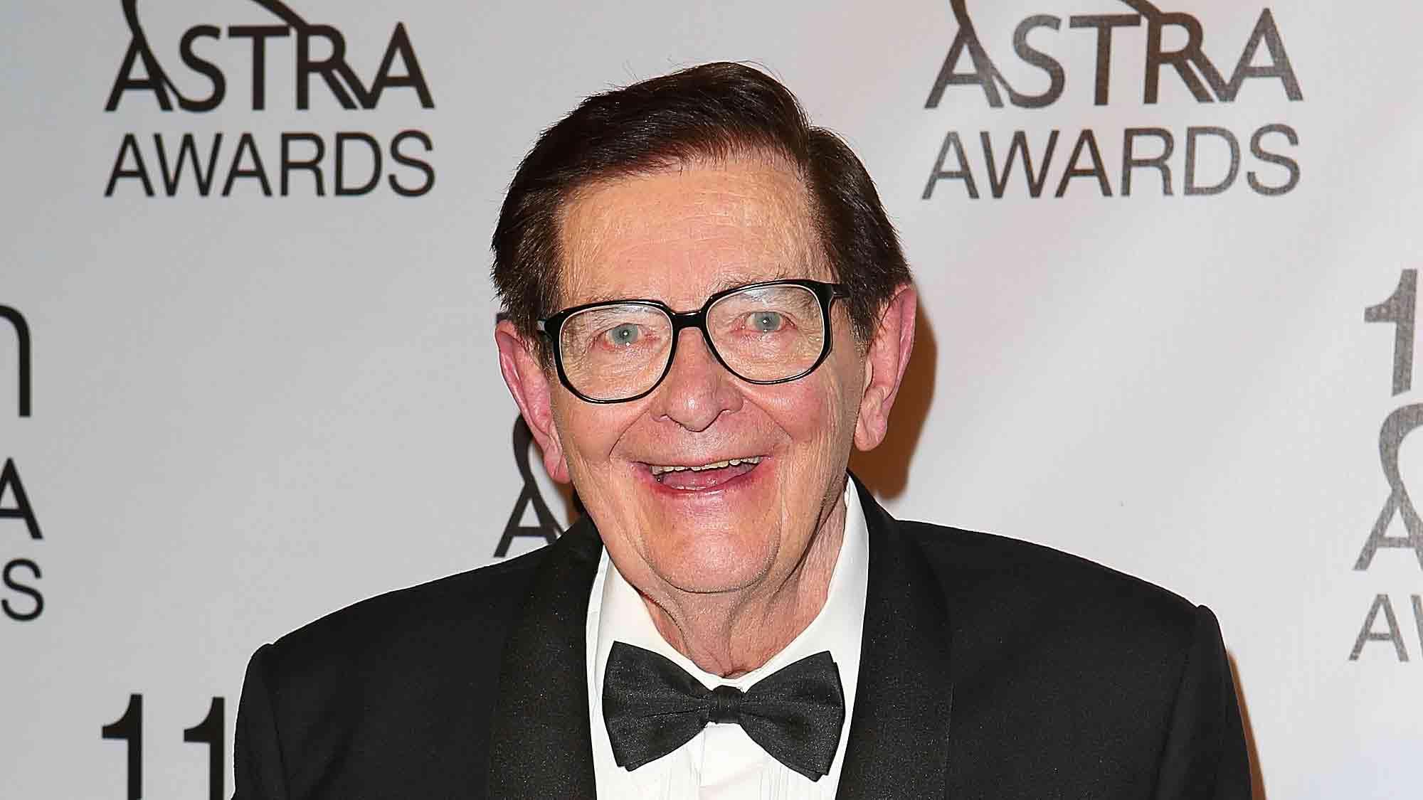 """Australia's """"Mr Movies"""" Bill Collins dies aged 84"""