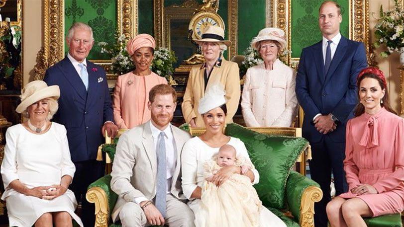 Kate looks uncomfortable: Body language expert's verdict on Archie's christening photo