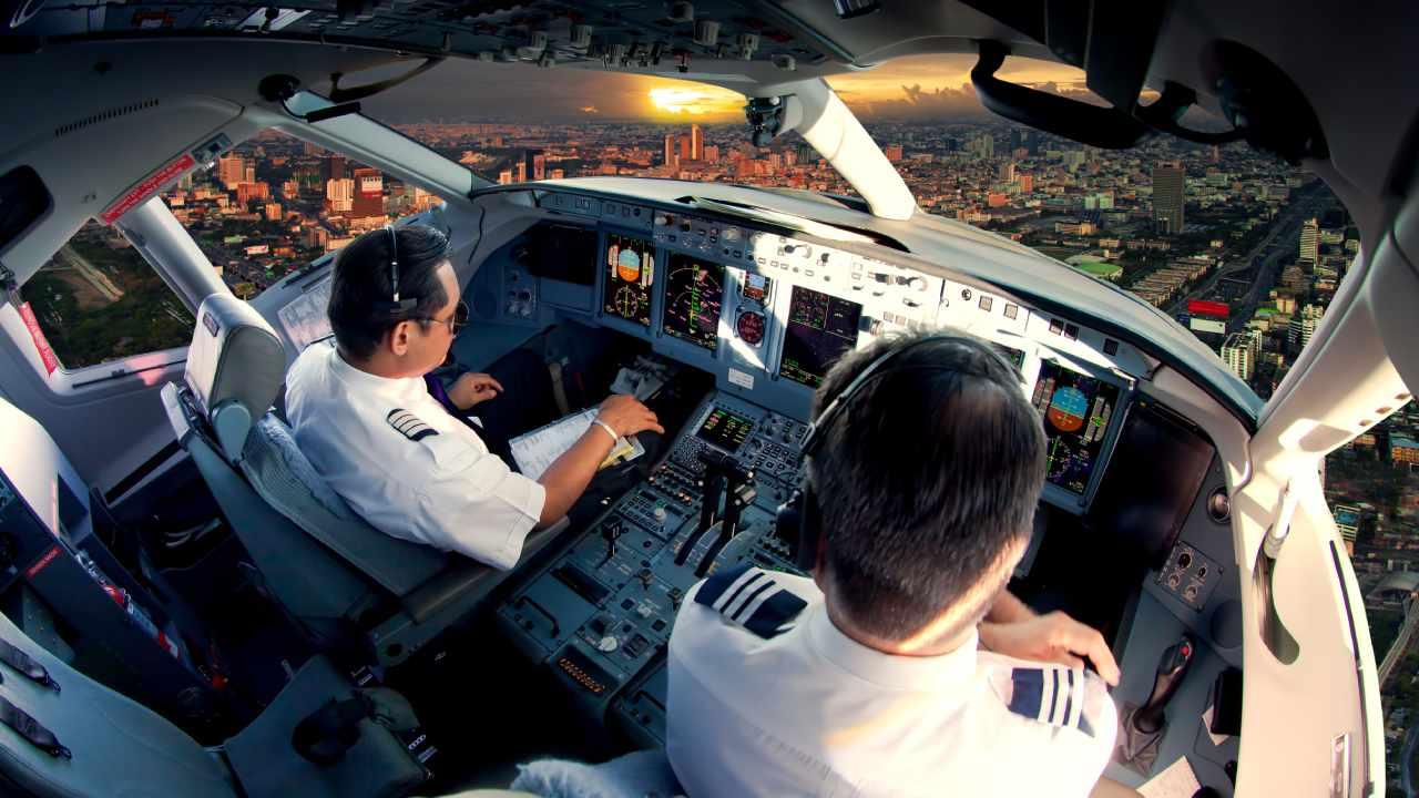 Pilots reveal their scariest stories while flying