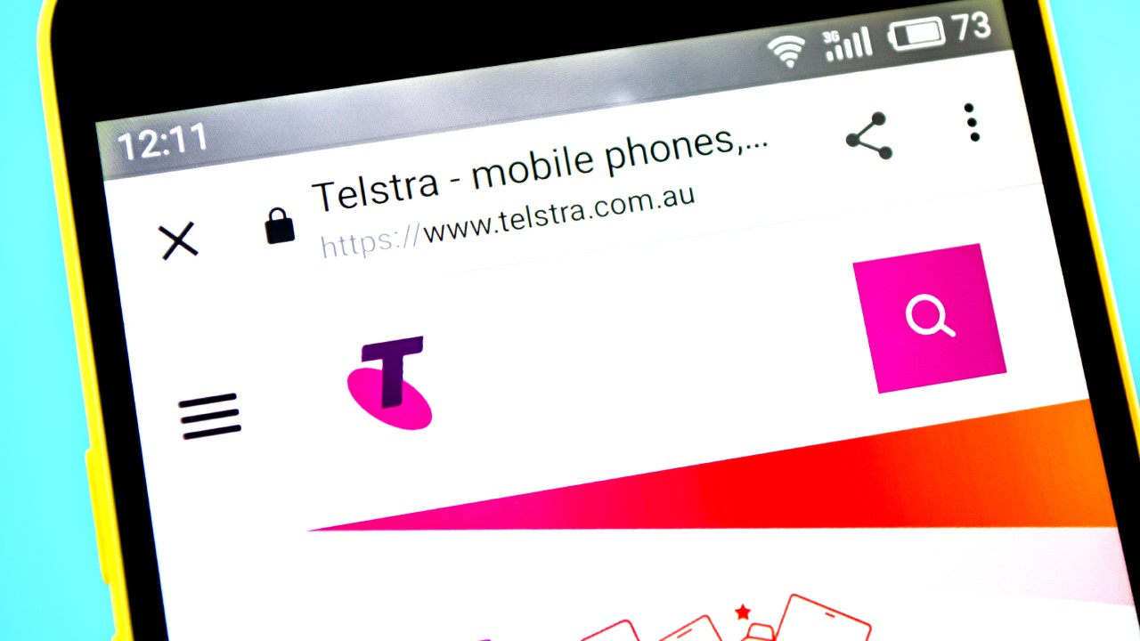 Aussie mum's shock as she opens Telstra phone bill for $465,000