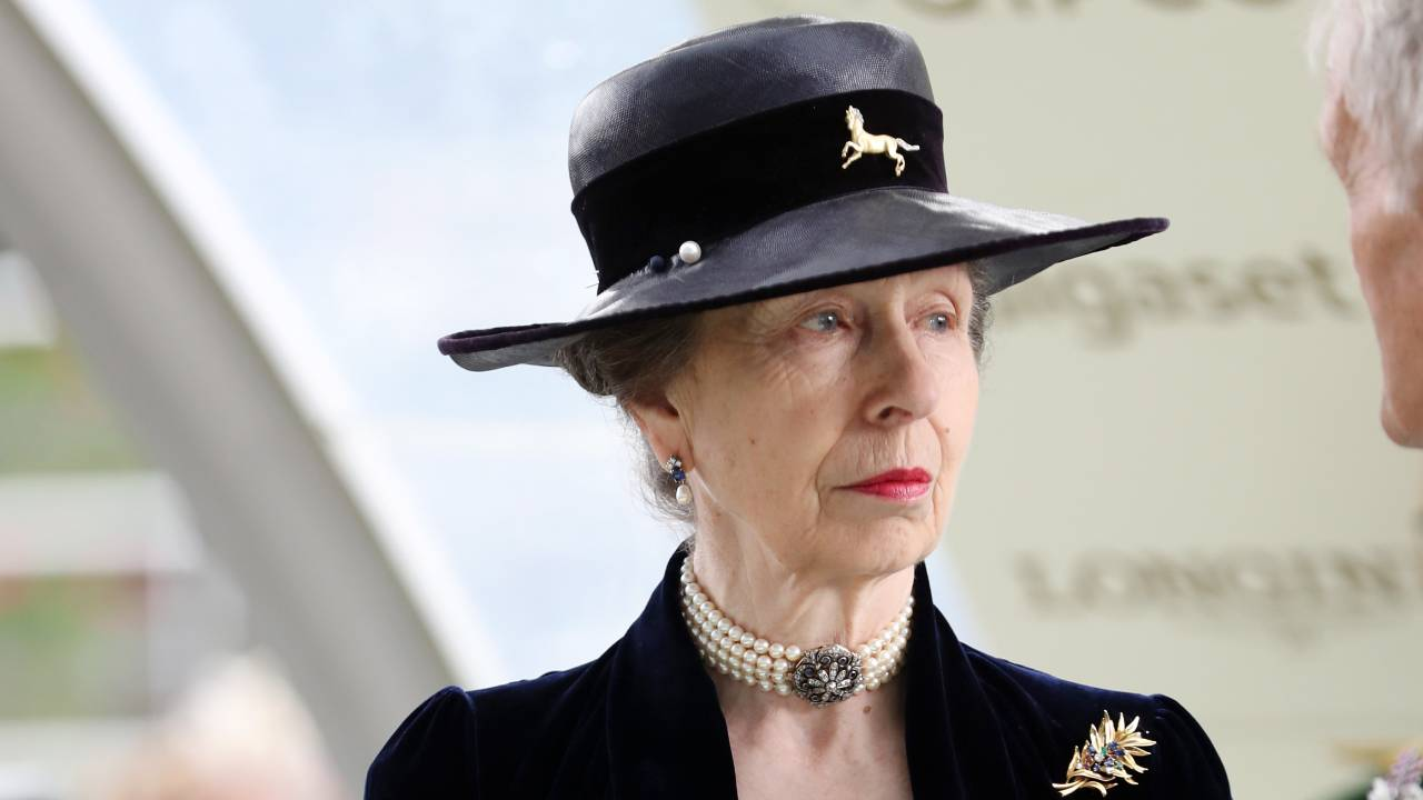 Royal heartbreak: Princess Anne mourns death of loved one