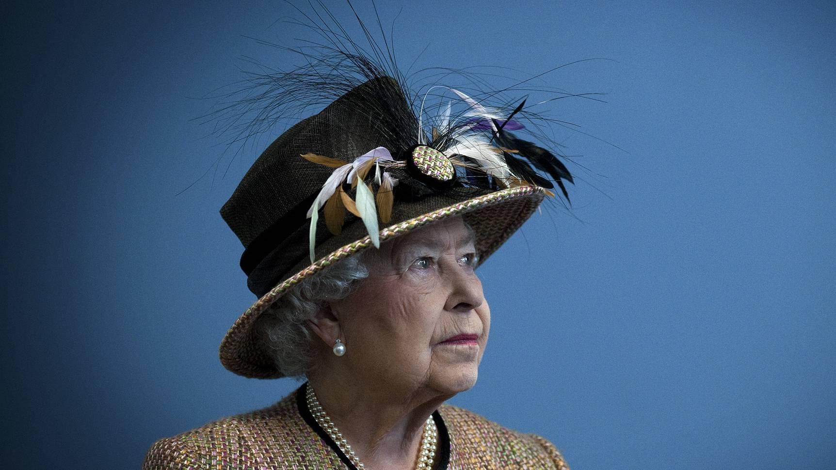 """How is it possible?"" Intruder breaks into Buckingham Palace"