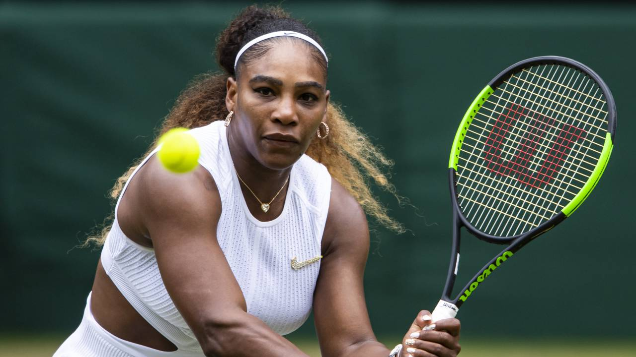 """""""Delusional"""" men ridiculed after 1 in 8 say they can beat Serena Williams"""