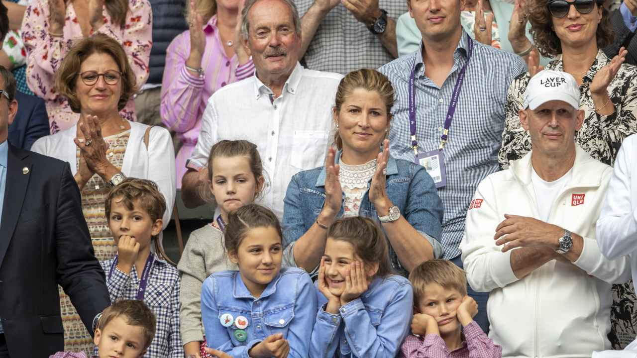 It S Huge Roger Federer S Wife S Upgraded Engagement Ring Stole
