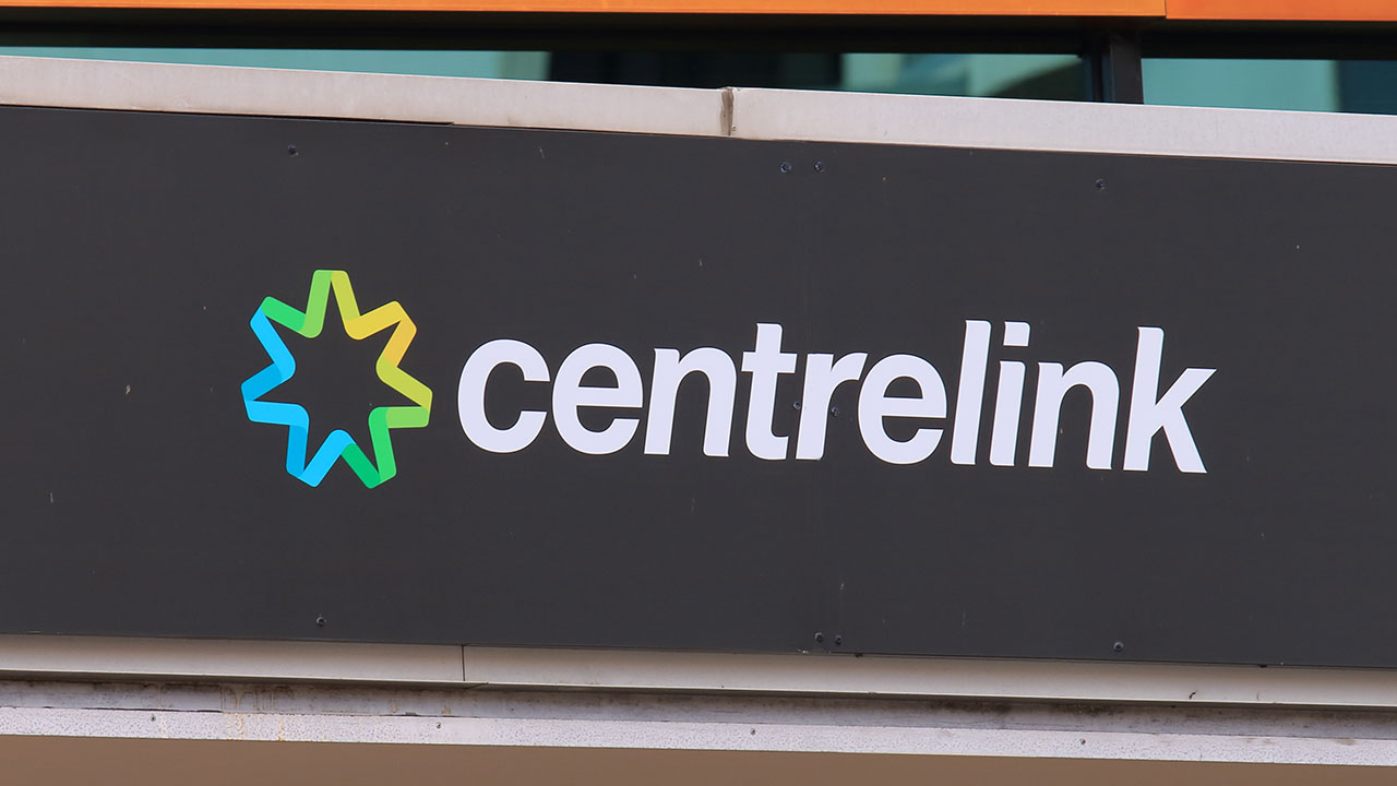 How woman successfully rorted Centrelink of $200,000 over 15 years