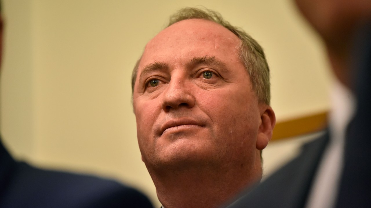 """Barnaby Joyce admits he is """"struggling"""" to support two families on $211K salary"""