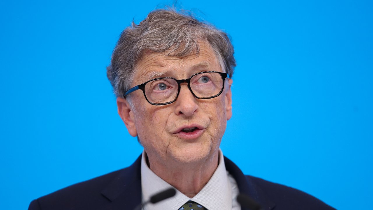 """Oh well"": Bill Gates' candid response on mistake that cost him $573 billion"