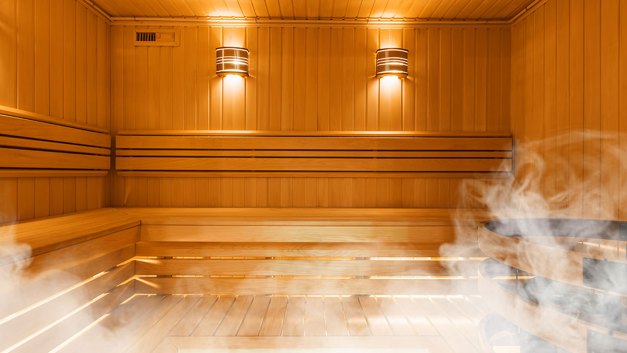 Are saunas healthy? Benefits and risks explained
