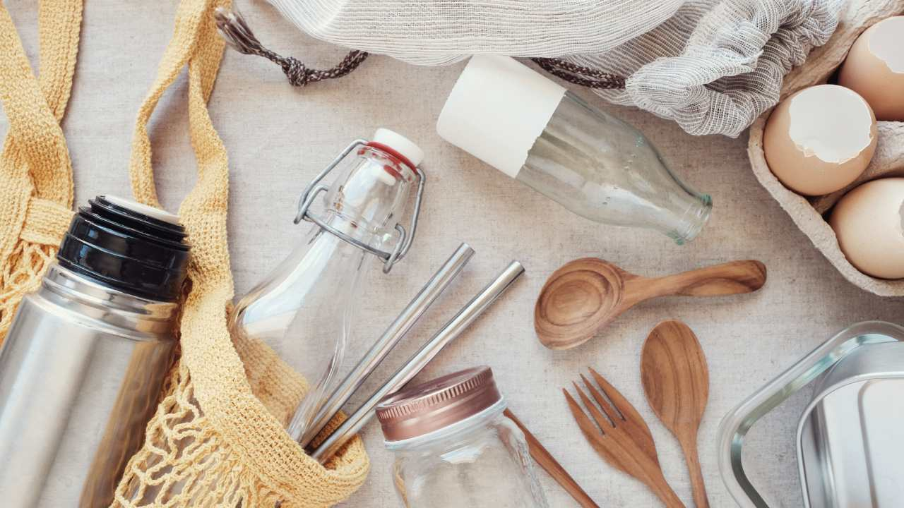 How to save hundreds this year by going plastic free