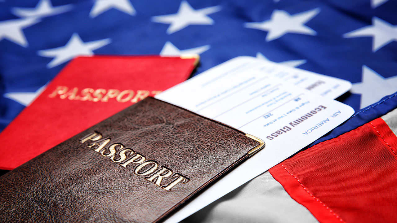 How to protect your private data when you travel to the United States